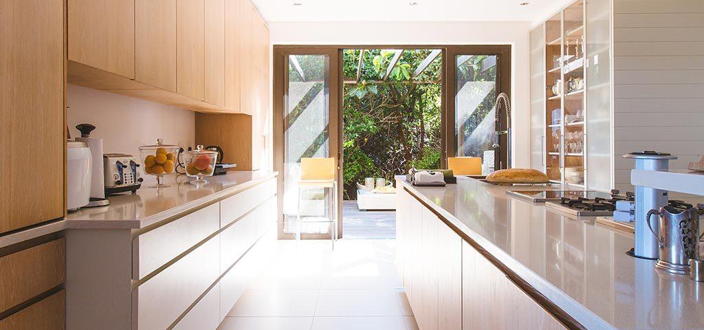 Cocinas minimalistas: 4 consejos para transformar la tuya
