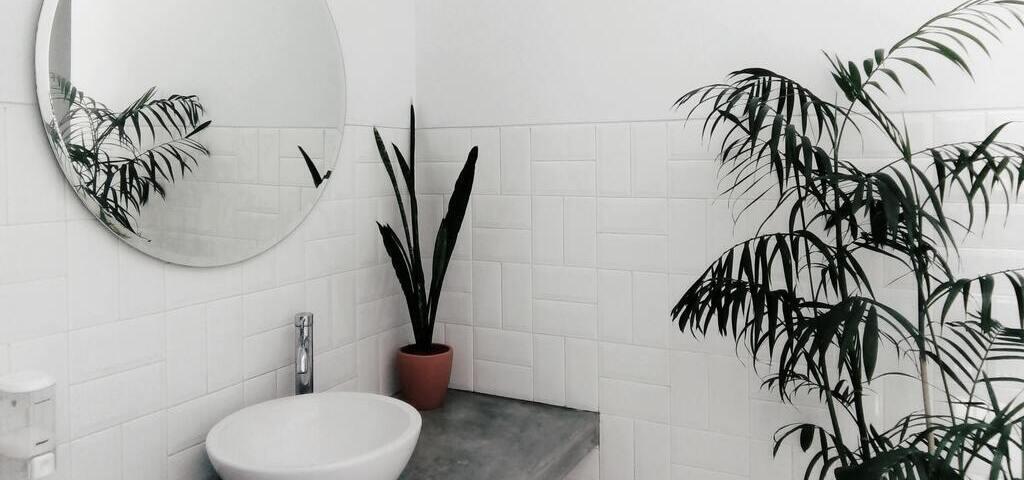 Cómo reformar un baño pequeño sin ventanas